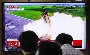 Le lancement d'un «projectile» nord-coréen retransmis à la télévision à Séoul, le 10 septembre 2019.