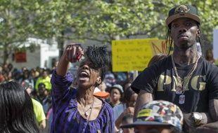 Des manifestants défilent le 2 mai2015 à Baltimore pour dénoncer les violences policières