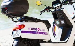 Les premiers scooters électriques en libre-service à Lyon ont été déployés lundi 18 février.