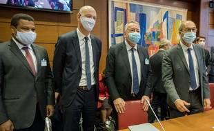 Le patron de Veolia, Antoine Frerot (2e à droite) le 23 septembre face à  la commission des Finances et la commission des Affaires économiques de l'Assemblée nationale.