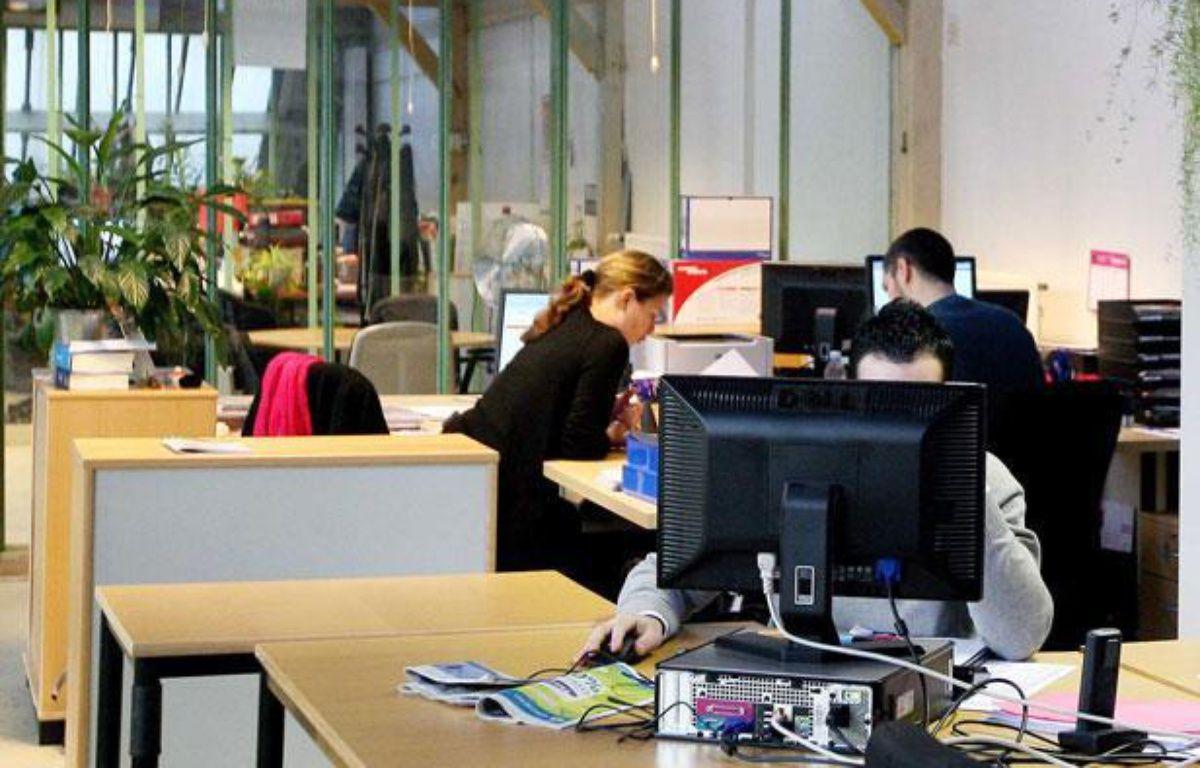 Illustration: des employés dans une entreprise en open space – MEIGNEUX/SIPA