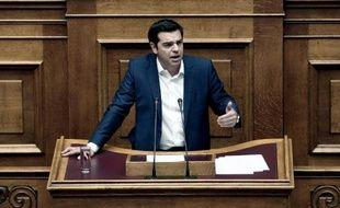 Le Premier ministre grec Alexis Tsipras s'adresse aux députés grecs à Athènes le 5 juin 2015