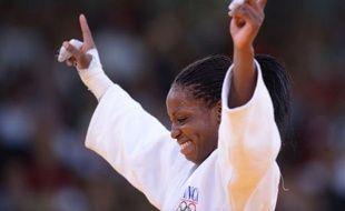 La championne du monde de judo Gévrise Emane (-63 kg) a remporté la médaille de bronze olympique en dominant la Sud-Coréenne Joung Da-woon, mardi à Londres.