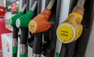 Strasbourg le 2 juin 2013. Illustration pompe à essence diesel.