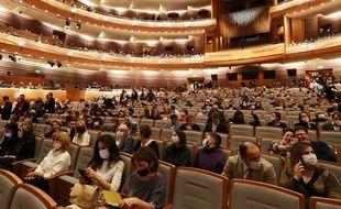 Commerces culturels, salles de spectacle... Roselyne Bachelot précise les conditions de réouverture.