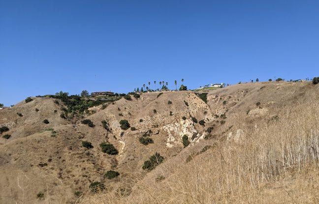 En Californie du Sud, il n'a pas plus depuis début mai et les collines sont rarement débroussaillées.