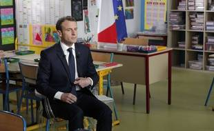 Emmanuel Macron le jeudi 12 avril avant son intervention au JT de 13h00 sur TF1.