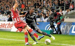 Samuel Umtiti a débuté la saison au poste de latéral gauche, comme ici face à Prague, avant de s'installer dans l'axe.