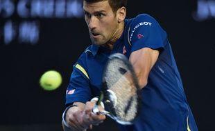 Novak Djokovic lors de la demi-finale de l'Open d'Australie contre Roger Federer, le 28 janvier 2016.