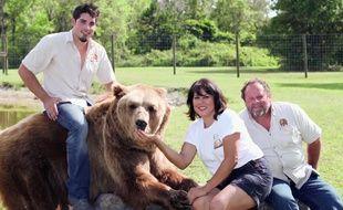 La famille Welde et un ours