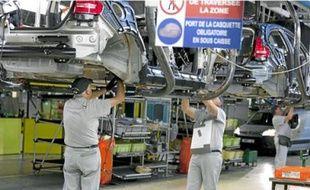 Ligne de production de la Citroën C4 à l'usine PSA de Mulhouse.