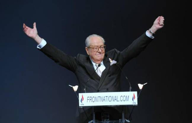 Jean-Marie Le Pen lors de son dernier discours en tant que président du FN, à Tours, le 15 janvier 2011.