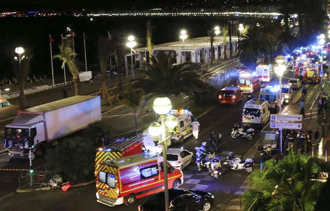 Attentat Facebook: Attentat De Nice: Un SMS équivoque, Des Nouvelles