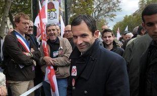 """Le Parlement du PS a planché mardi sur ses propositions sur l'""""égalité réelle"""" sous la houlette de Benoît Hamon, leader de la gauche du parti, qui se dit """"très confiant"""" quant à son adoption malgré la controverse qu'il suscite au sein du mouvement."""