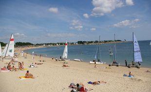 Illustration d'une plage en Bretagne, ici à Bénodet, dans le Finistère.