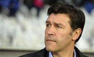 """Hubert Fournier rappelle aux joueurs qu' """"il ne faut pas lâcher"""" malgré une spirale extrêmement négative."""