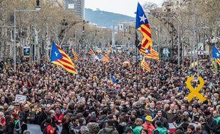 Manifestation à Barcelone pour protester contre l'arrestation de Puigdemont le 25 mars 2018.