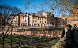 Les quais de la Daurade, près de la Garonne, à Toulouse.