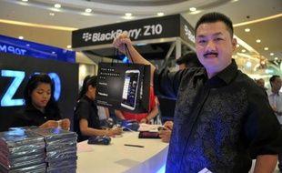 BlackBerry a lancé vendredi la commercialisation de son nouveau téléphone Z10 en Indonésie, un marché incontournable dans sa stratégie de reconquête de sa clientèle mondiale, qui fuit le canadien pour ses rivaux iPhones et Android.