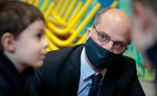 Le ministre de l'Education nationale était en visite dans une école parisienne, le 11 mai 2020.