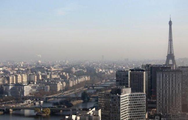 La réduction de la pollution de l'air dans neuf villes de France permettrait d'économiser près de 5 milliards d'euros par an et d'allonger l'espérance de vie en évitant près de 3.000 décès annuels, a indiqué l'Institut de veille sanitaire (InVS) lundi.