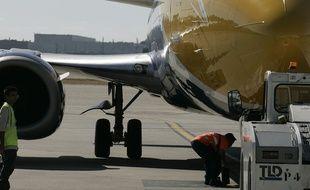 Un avion sur le tarmac de l'aéroport Toulouse-Blagnac.