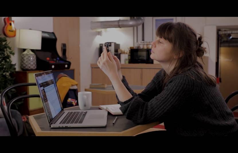 « Les cyberviolences conjugales aggravent l'isolement », selon Marine Périn, autrice du documentaire « Traquées »