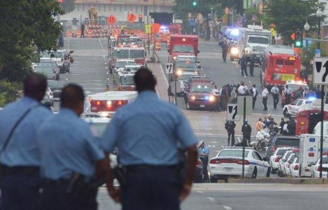 Une fusillade dans un immeuble de bureaux de la Marine américaine à Washington a fait au moins 12 morts lundi matin, parmi lesquels le tireur dont les motivations restaient inconnues.