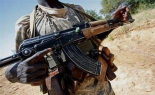 Le Soudan continue de nier toute implication directe dans les combats au Tchad, où la nouvelle offensive va alourdir le contentieux entre les deux pays, N'Djamena accusant Khartoum de soutenir la rébellion pour occulter davantage la crise du Darfour.