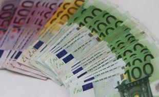 L'inflation a ralenti plus que prévu en décembre dans la zone euro, pour s'établir à 2,7% sur un an contre 2,8% selon une première estimation, a indiqué mardi l'office européen des statistiques Eurostat.