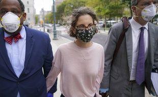 L'héritière de Seagram, Clare Bronfman, le 30 septembre 2020 à son arrivée au tribunal, à New York.