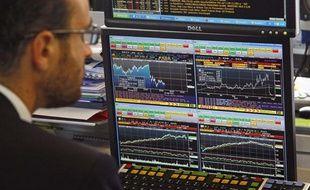 Un trader à la Bourse de Paris.