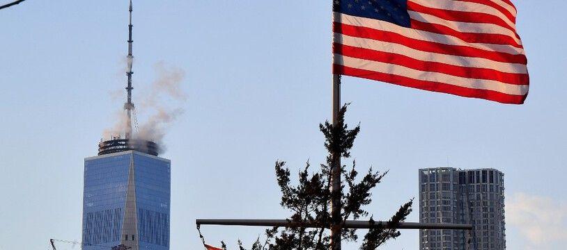 Un drapeau américain à New York.