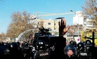 Des manifestants anti-Rohani à Dorud, en Iran