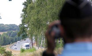 Un contrôle de vitesse à l'aide d'un radar de la gendarmerie, ici entre Rennes et Nantes.
