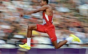 L'Américain Christian Taylor est devenu champion olympique du triple saut avec une marque à 17,81 m, jeudi à Londres.