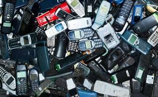 Jusqu'à 113 millions de téléphones dormiraient dans nos tiroirs.