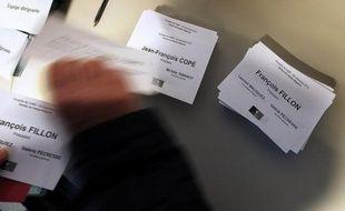 """Les éditorialistes de la presse française se moquent du nouveau """"coup de théâtre"""" dans """"la tragi-comédie"""" qui se joue pour la présidence de l'UMP et s'inquiètent même d'une possible """"scission"""" du parti de l'opposition, qui serait un """"coup dur"""" pour la démocratie française."""