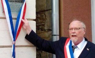 Paul Mumbach, maire de Dannemarie lors de l'inauguration de la plaque sur la maison natale du Docteur Eugène Ricklin, défenseur de l'Alsace autonome au Reichtag comme à la Chambre des Députés.