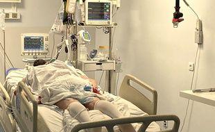 Un malade du coronavirus placé sous assistance respiratoire