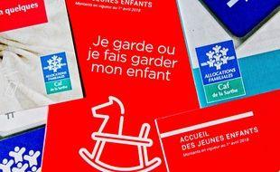 Brochures de la CAF sur l'accueil et les modes de garde des jeunes enfants.