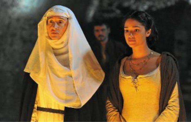 Catherine de Sienne, incarnée par Anne Brochet, joua un grand rôle auprès du pape Grégoire XI.