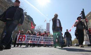 Plus de 2.000 personnes ont défilé à Rennes jeudi 9 avril contre l'austérité.