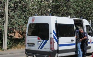 Marseille le 15 JUIN 2015 illustration d'un camion de police.