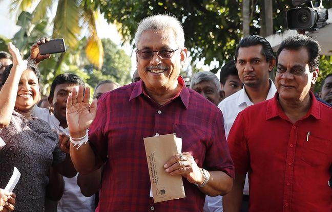 Gotabaya Rajapaksa arrivant dans son bureau de vote le 16 novembre 2019.
