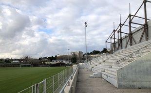 Le stade La Martine, à la fois vétuste et pollué, ne permet pas de recevoir un club professionnel.