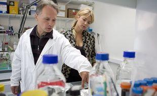 Paris le 1 octobre 2012. Hopital Cochin. Visite de la Fondation pour la recherche où une étude vient d'être menée sur la fibrose hépatique