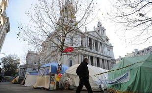 La Haute Cour de Londres a autorisé mercredi l'éviction des manifestants anti-capitalistes installés depuis trois mois devant la cathédrale Saint-Paul, en plein coeur de la City, le quartier des affaires de la capitale britannique.