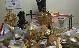 Les objets volés, découverts chez des receleurs.