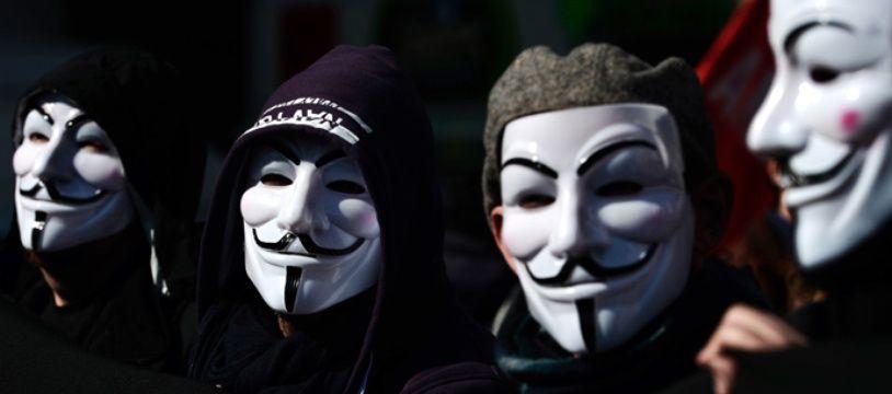 Le masque emblématique des Anonymous.